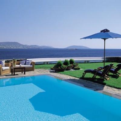 Grand Resort Lagonissi pool area