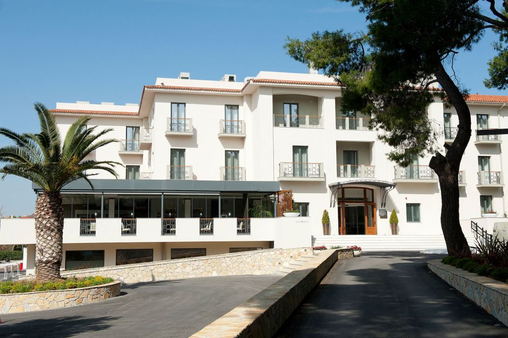 Spring weekend offer at Domotel Kastri accommodation hotel offer Athens