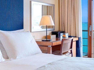 Amphitryon Hotel_room