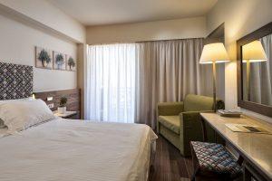 Akali Hotel Superior Triple Bedroom