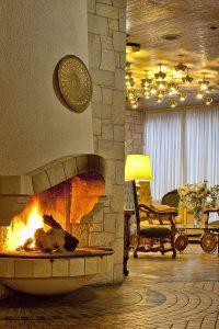 Αkali Ηotel Fireplace