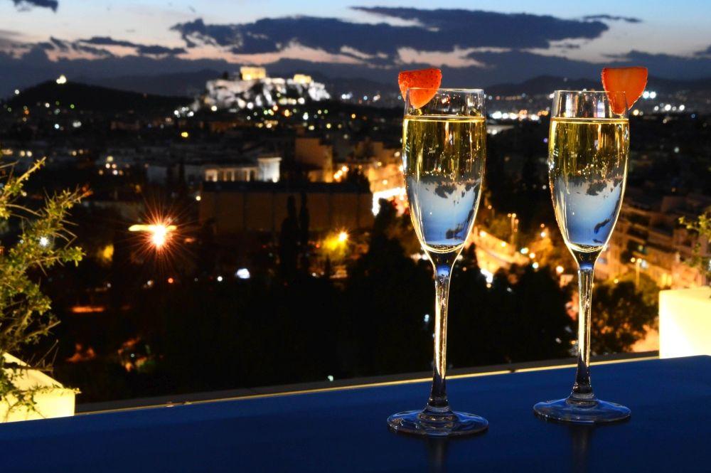 Γεύση Έρωτα Hilton Αθηνών Athens γιορτάστε ημέρα Αγίου Βαλεντίνου προσφορά