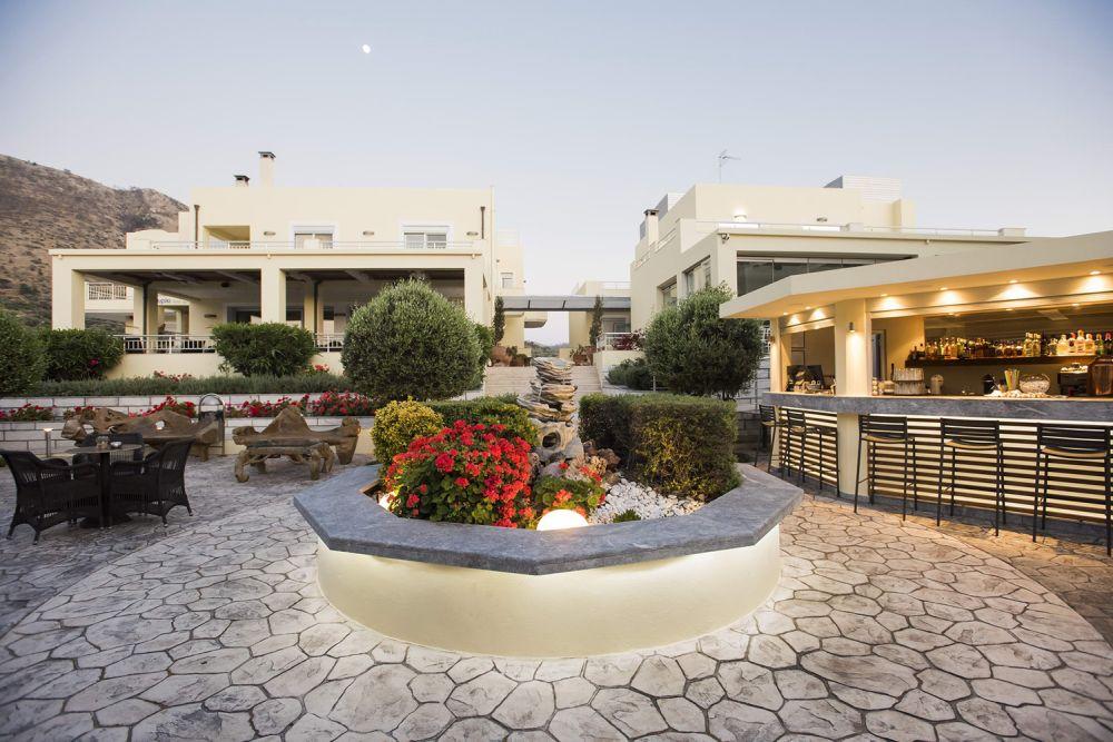 Διάλειμμα γιορτή Αγίου Πνεύματος Almiriki Hotel Apartments Χίος