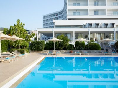 lucy_hotel_pool